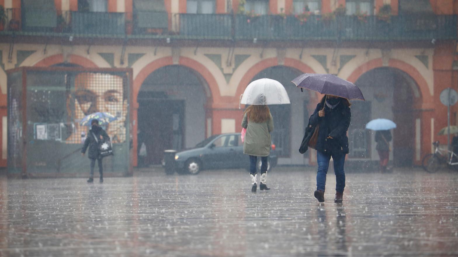 Chubascos y tormentas fuertes en el sistema Ibérico y Cataluña