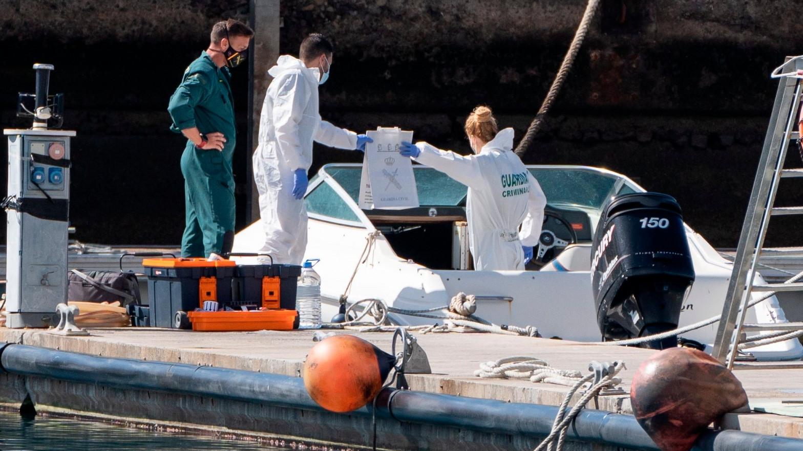 Hallan restos de sangre en el barco del padre desaparecido con sus hijas en Tenerife