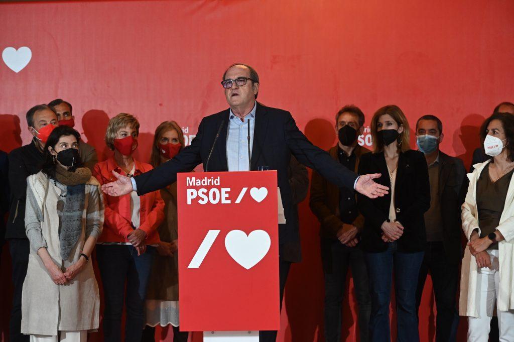 Ángel Gabilondo también anunció su dimisión