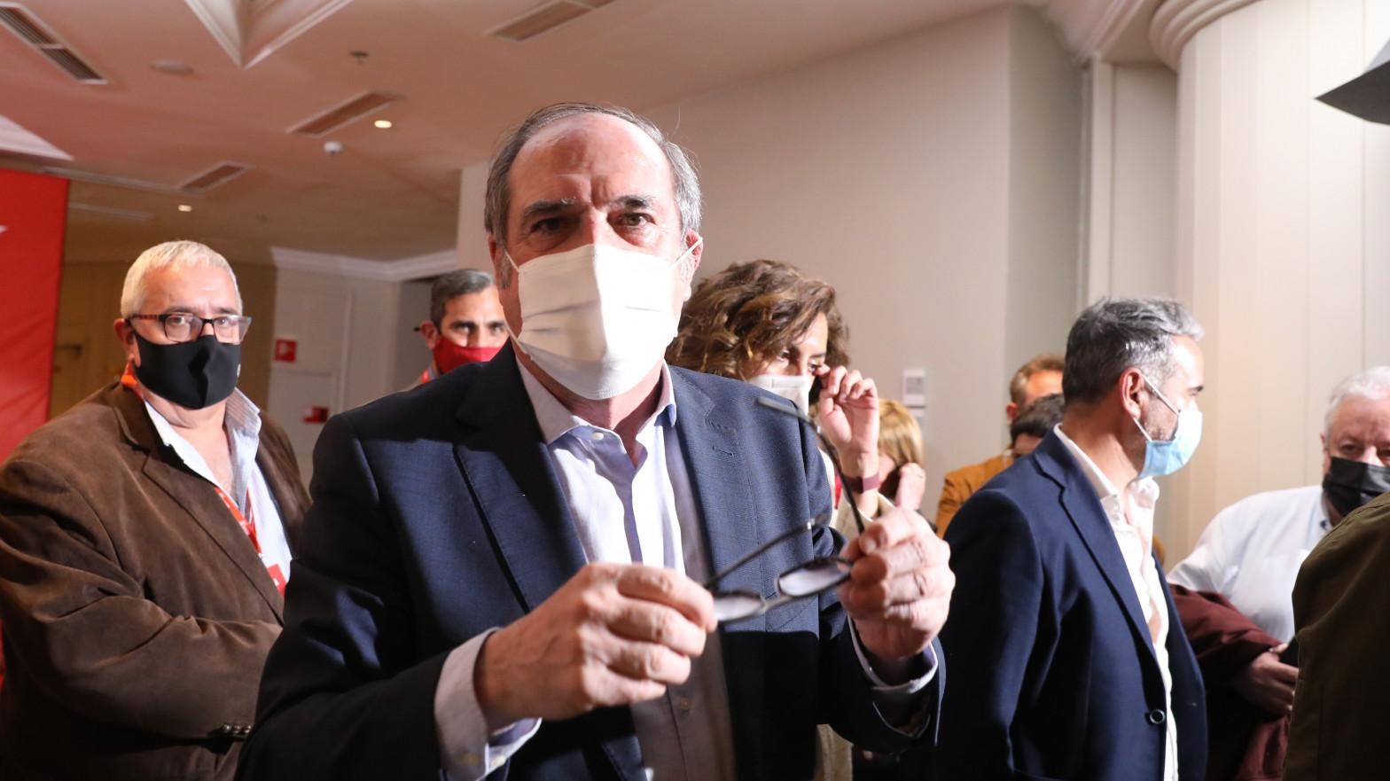 Ángel Gabilondo recibe el alta tras pasar la noche en el hospital por un problema cardíaco