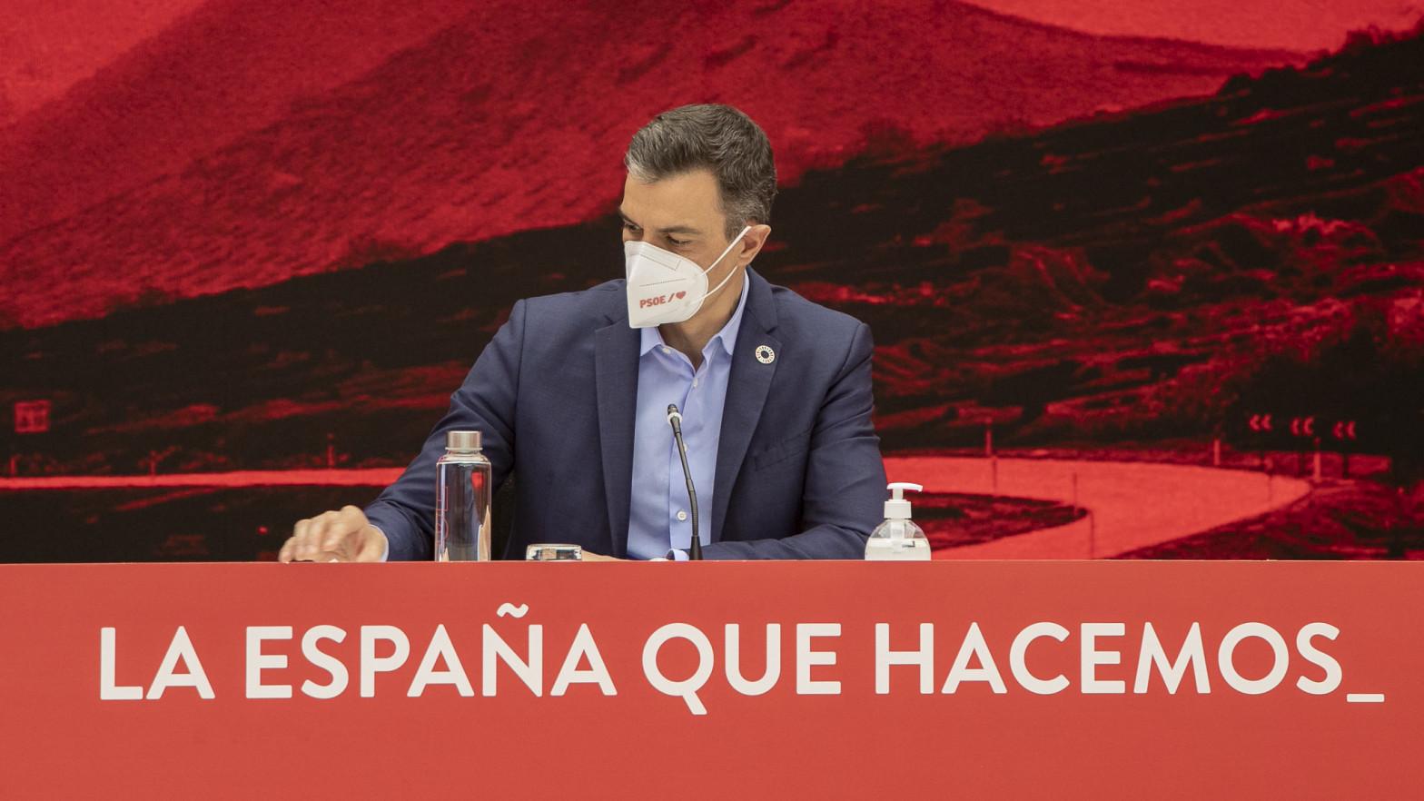 Sánchez admite errores de estrategia en Madrid y asegura que agotará su legislatura