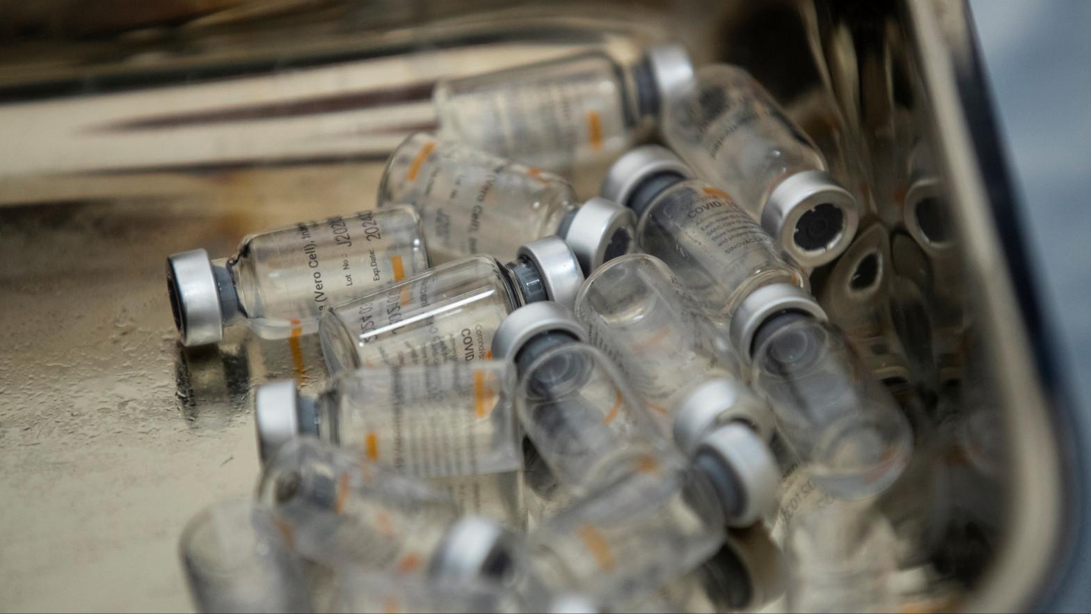 Últimas noticias, en directo: las patentes de las vacunas contra el coronavirus, restricciones y reacciones al 4-M
