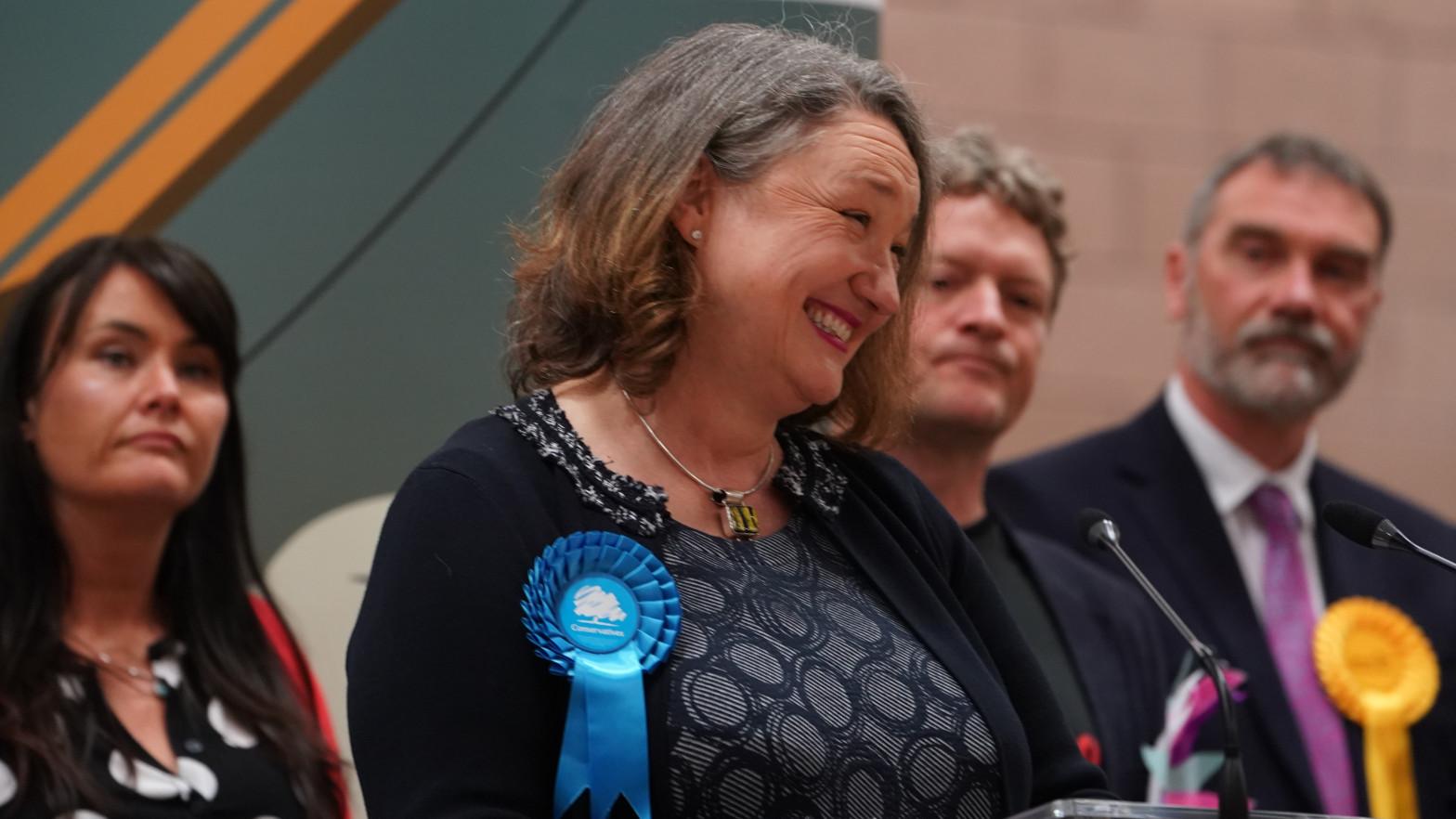 Los conservadores ganan un feudo laborista clave y vaticinan su debacle en Reino Unido