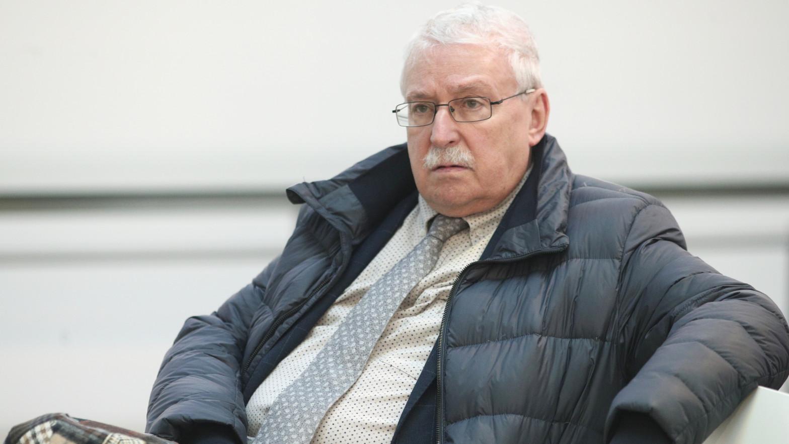 Una docena de exaltos cargos de Leguina se conjuran contra Sánchez para movilizar a los barones