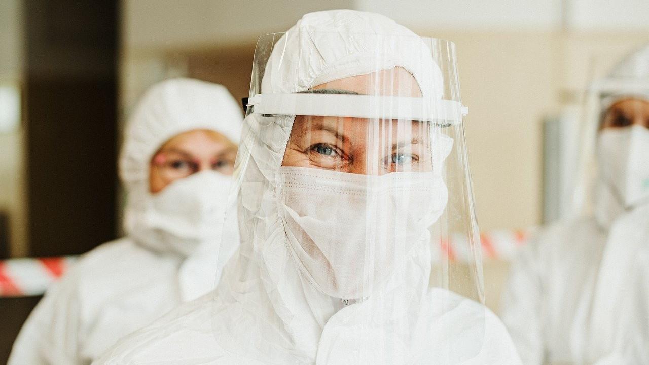 Inteligencia Artificial para detectar a tiempo el agravamiento de la Covid-19Un algoritmo es capaz de predecir en tiempo real la posible evolución y probabilidades de fallecimiento en enfermos de Coronavirus