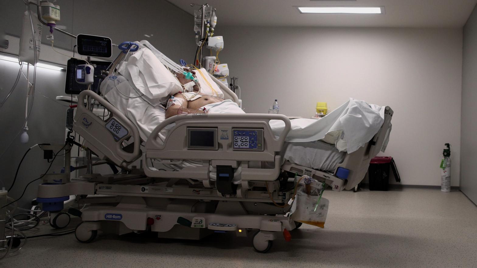 España registra 54 muertes por coronavirus en las últimas 24 horas y la incidencia sigue bajando