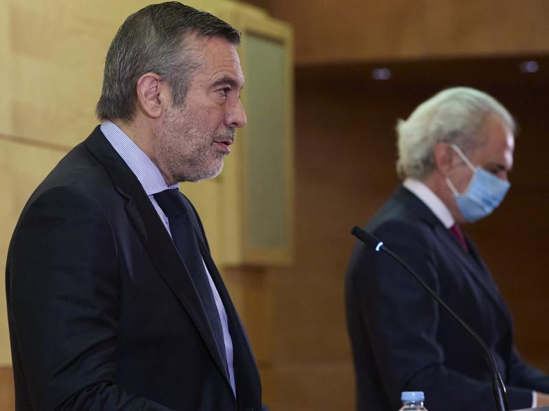 """Madrid se reafirma en no aplicar el toque de queda: """"No podemos cerrar por cientos de jóvenes"""""""