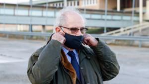 El juez envía al banquillo a Rato por blanqueo y corrupción en la causa de su fortuna