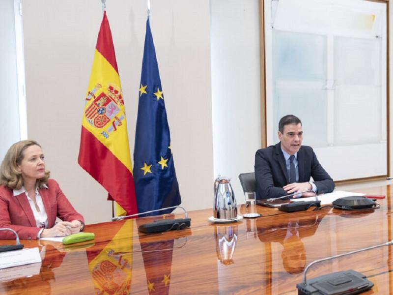 Desbandada de altos cargos de Moncloa y Economía en plena tramitación de los fondos europeos