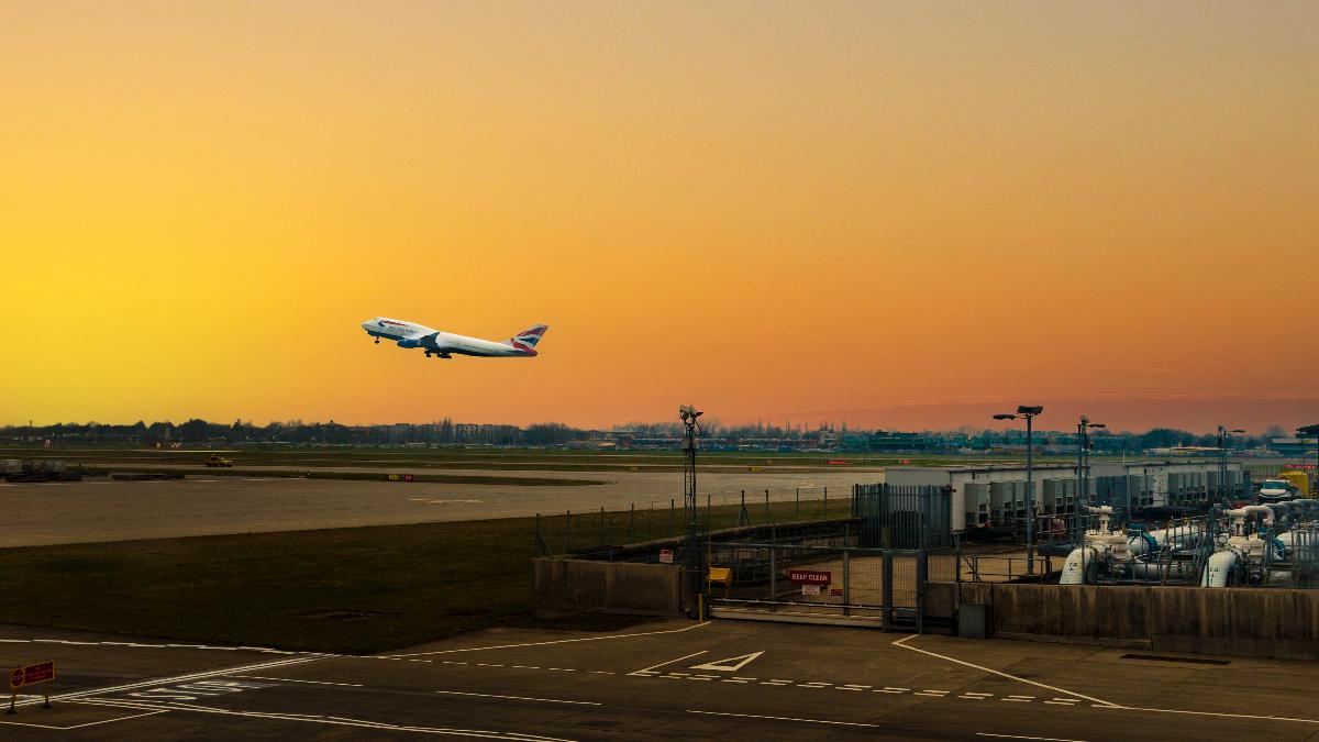 corazón aeropuerto enfermedad ruido
