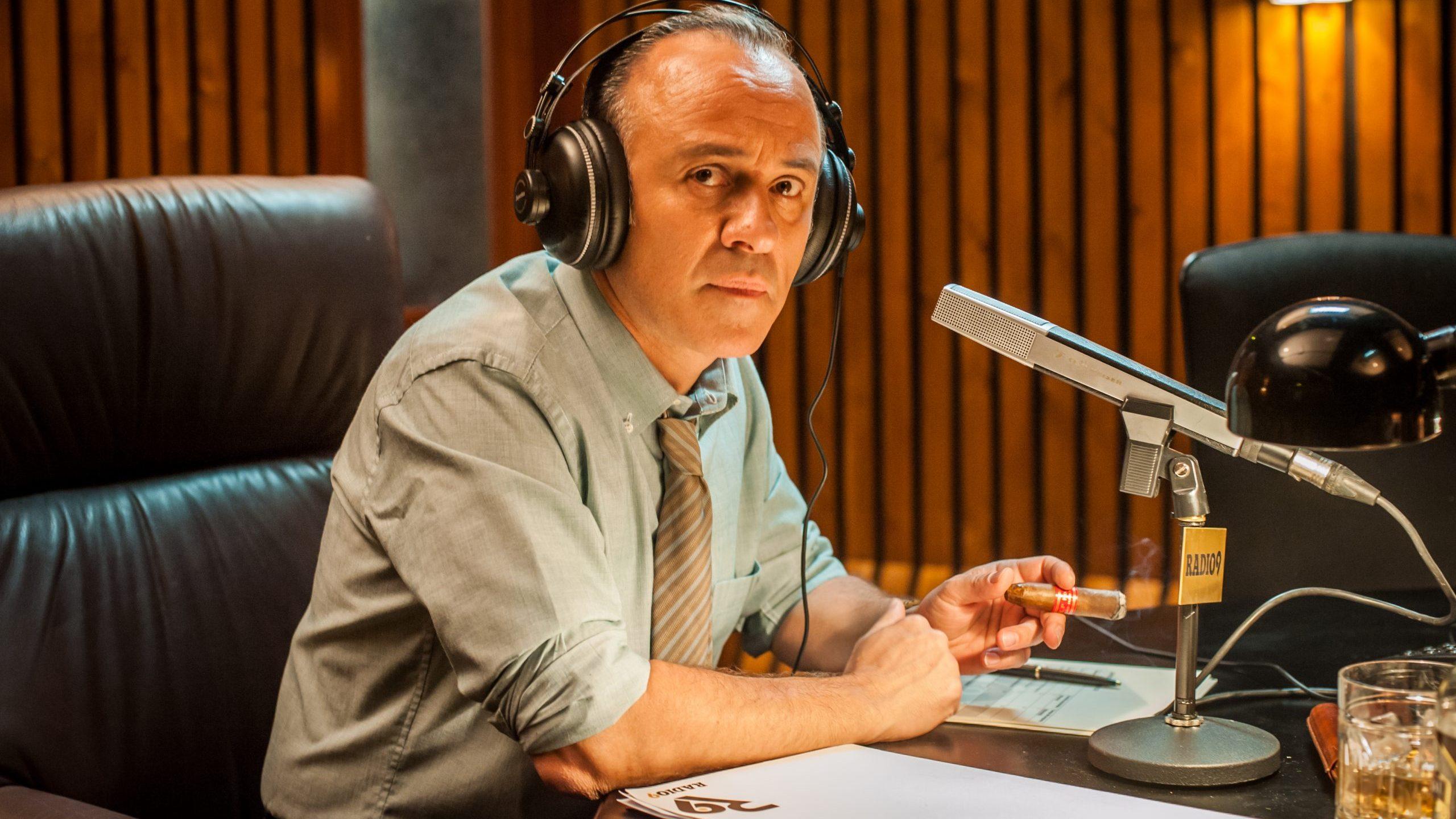 El actor Javier Gutiérrez en la serie 'Reyes de la noche'