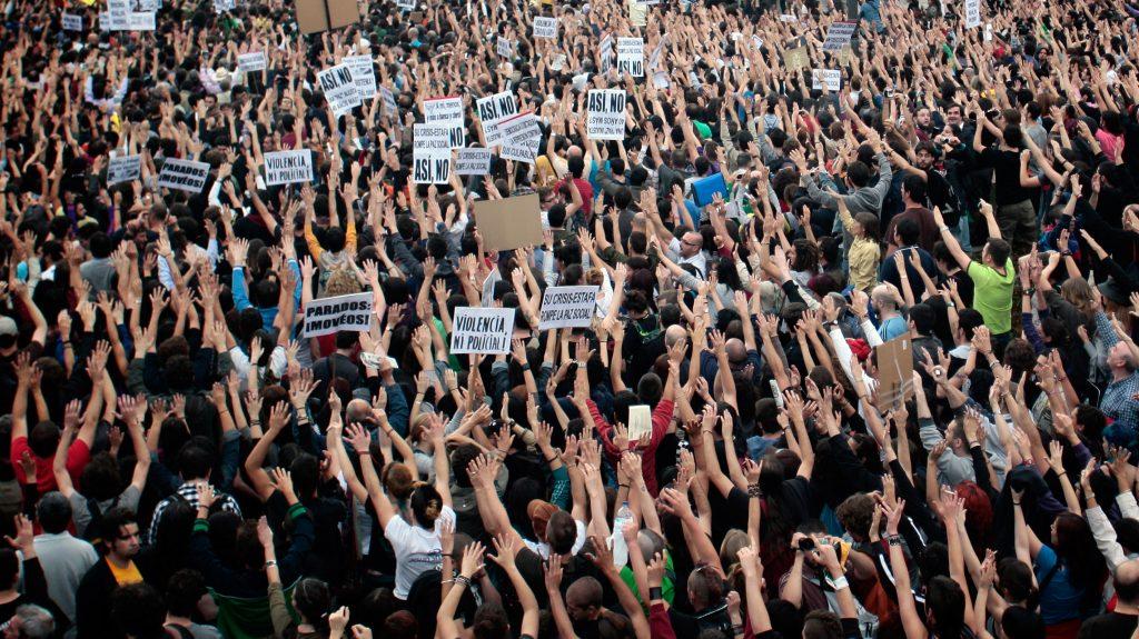 Manifestantes en la Puerta del Sol durante el 15M