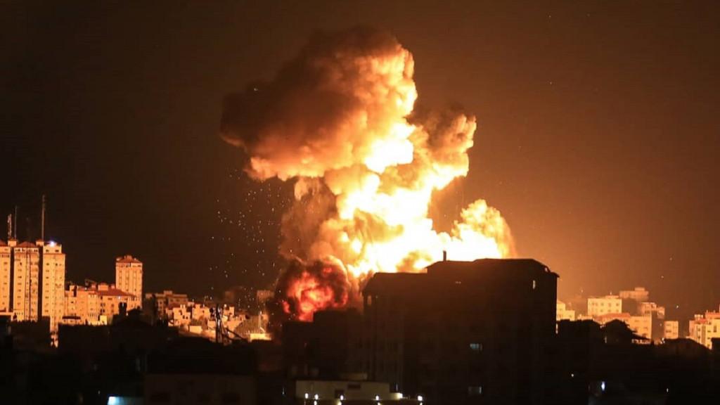 Ataque aéreo de Israel en Gaza.