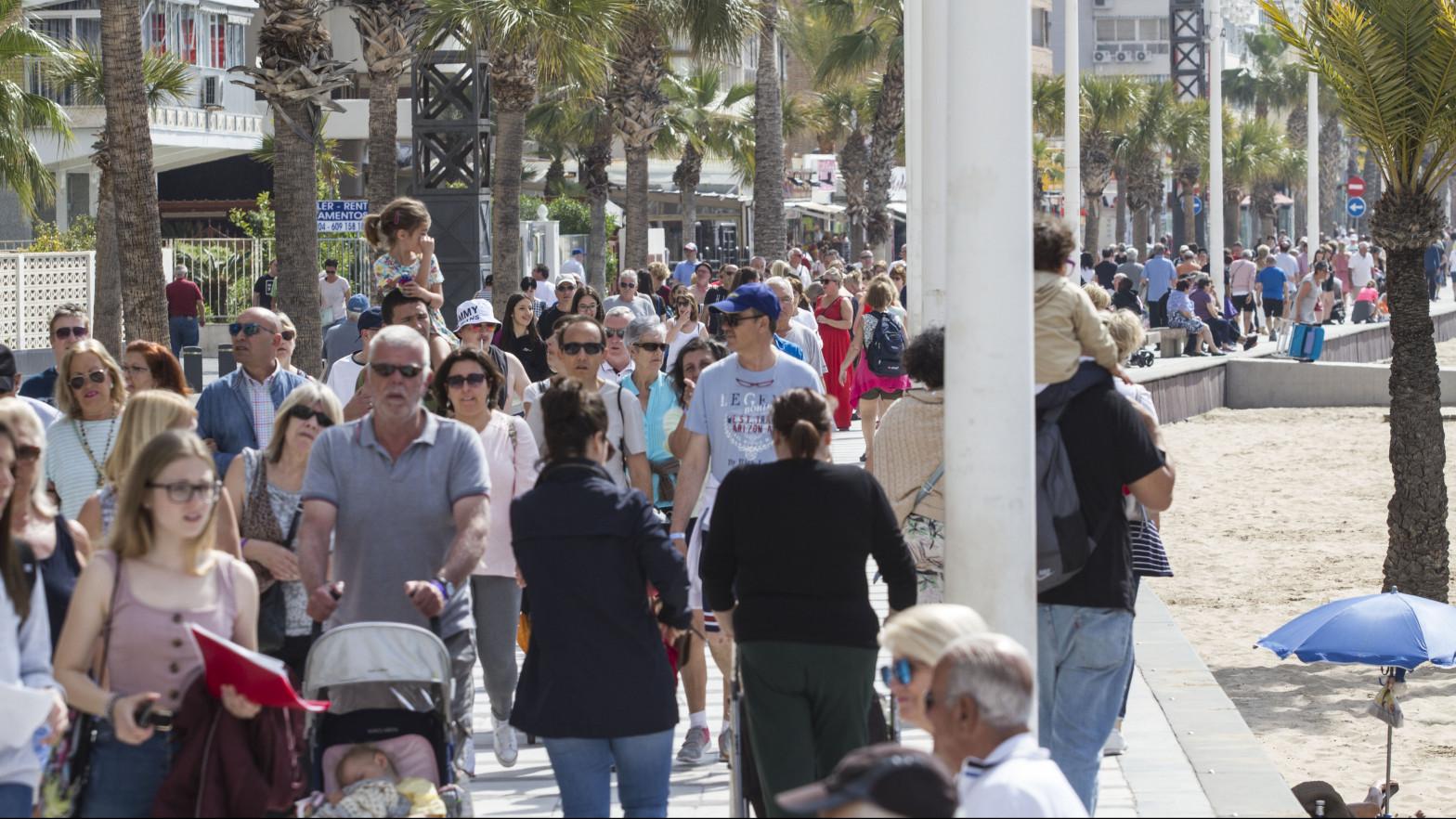 Los municipios turísticos aprovechan la fuga de madrileños para exigir más financiación