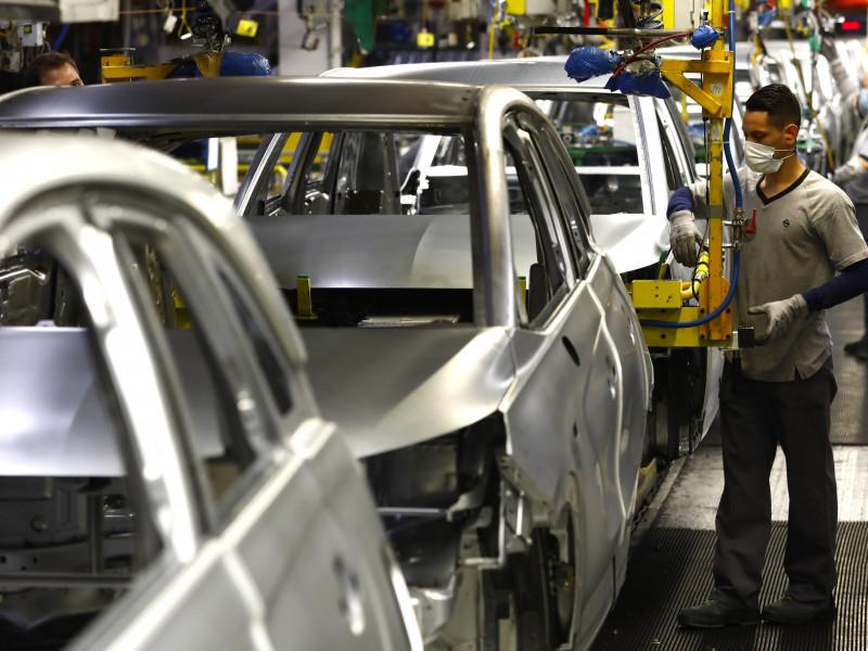 Las exportaciones crecen un 4,9% el primer trimestre por el impulso de marzo