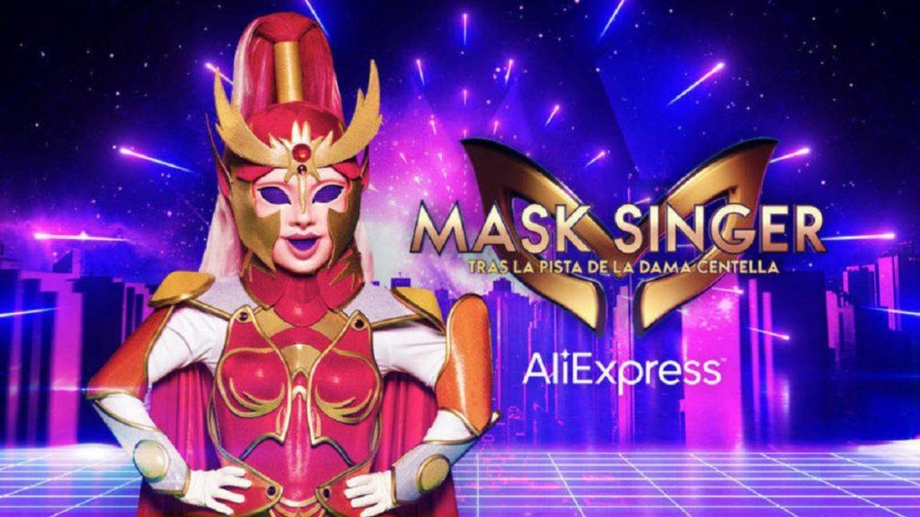 La nueva máscara: Dama Centella.