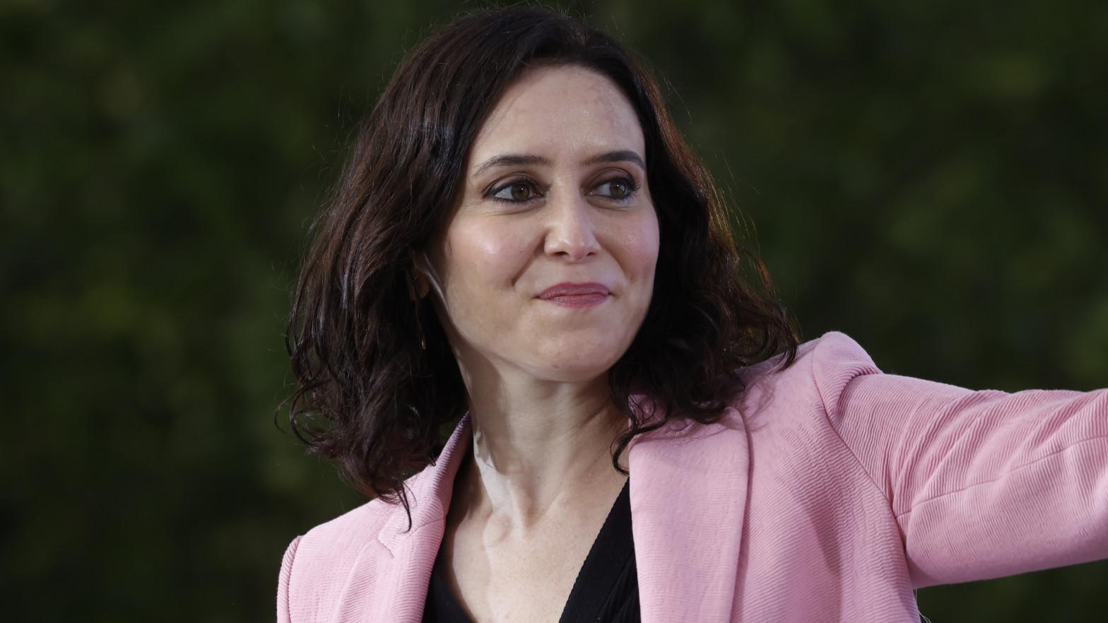 Isabel Díaz Ayuso habla de quién es su nuevo novio: divorciado, con tres hijos...