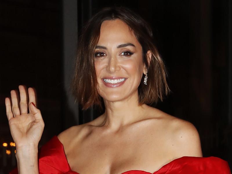 Tamara Falcó sabe que un vestido rojo es una apuesta segura