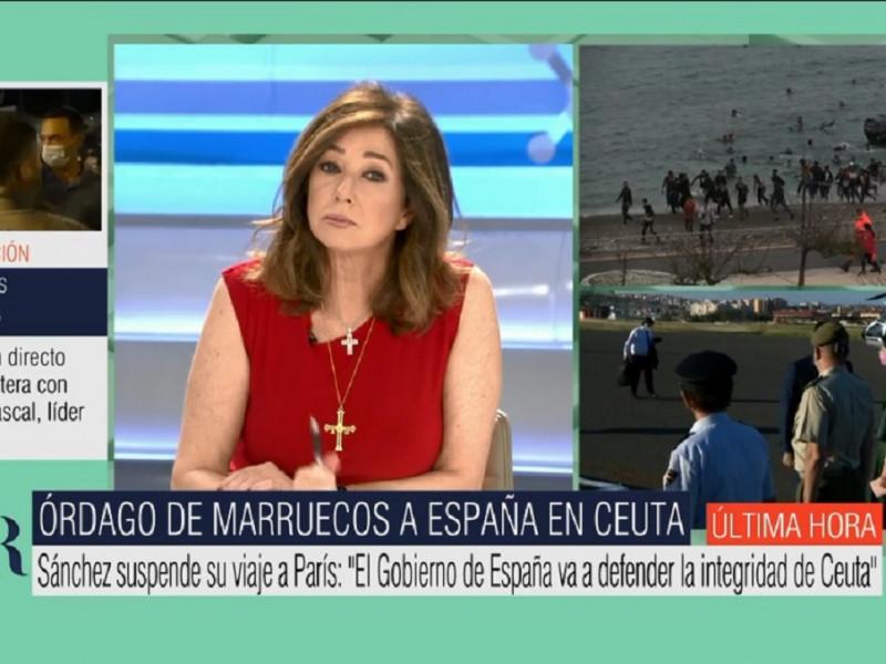 El guiño de Ana Rosa Quintana llevando la Cruz de la Victoria de Asturias ante la crisis migratoria en Ceuta