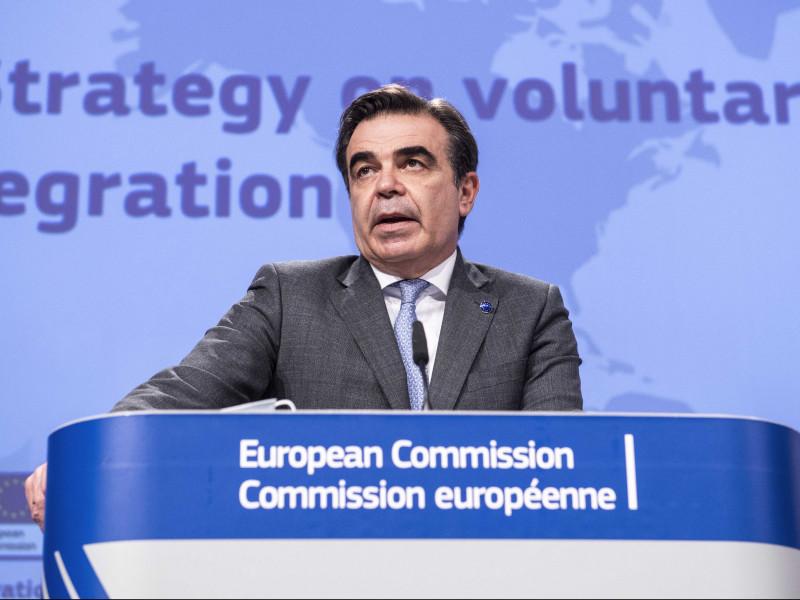 """La Comisión Europea avisa de que Europa """"no se dejará chantajear por nadie"""" y ofrece a España medios en Ceuta y Melilla"""