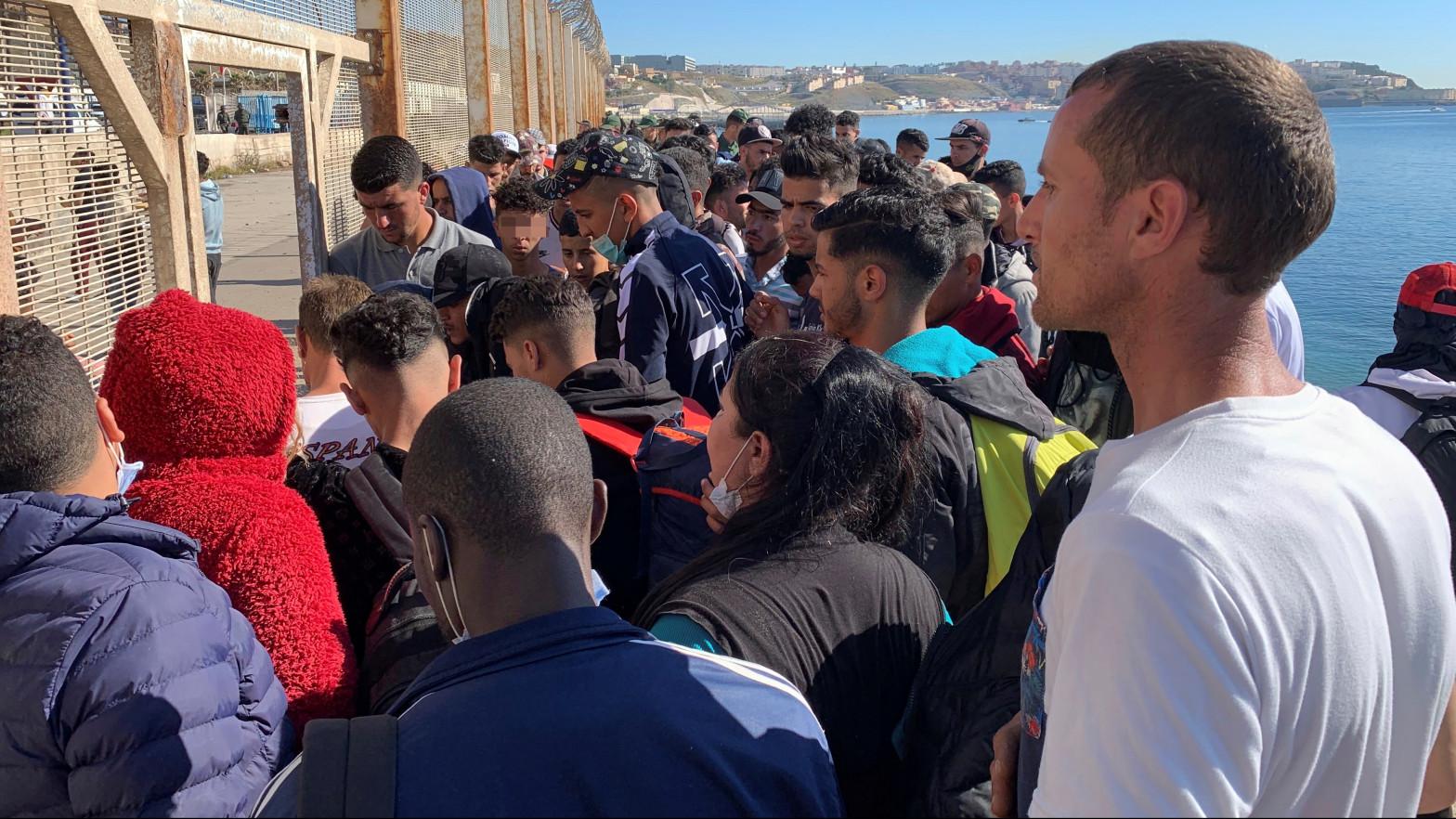 Once casos de covid entre 800 pruebas practicadas en inmigrantes en Ceuta