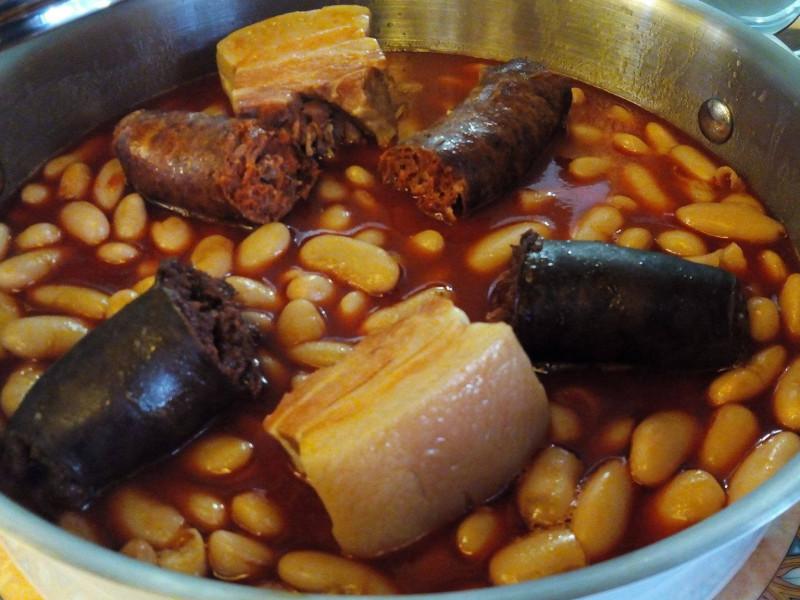 La mejor fabada del mundo se come en Mieres (Asturias)