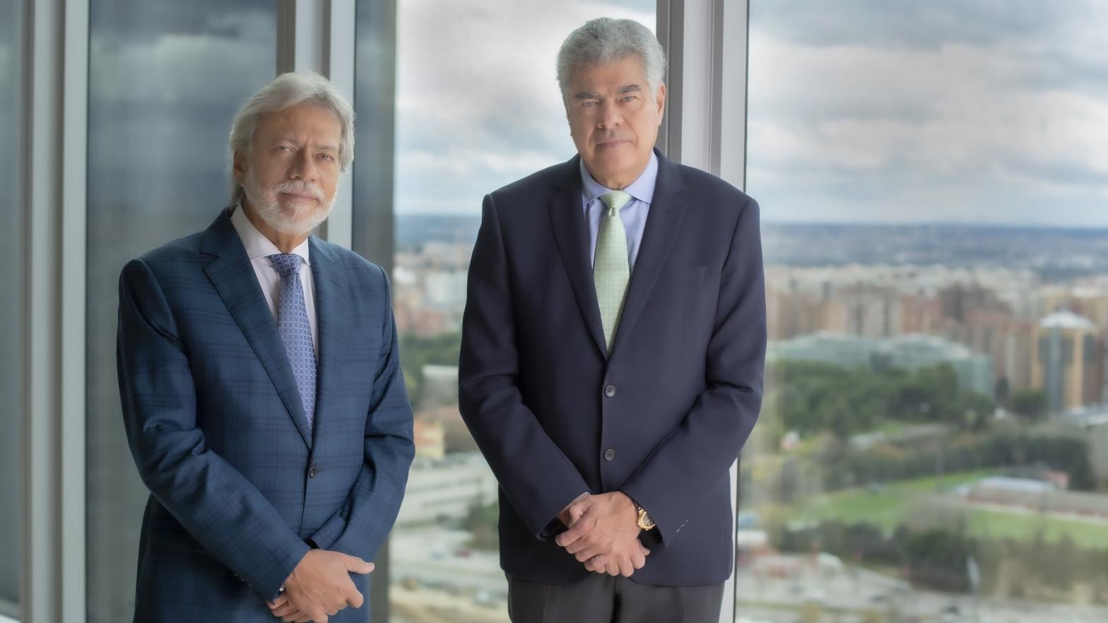 Luis Amodio y Mauricio Amodio, presidente y consejero de OHL.