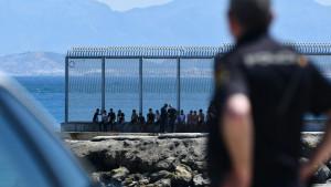 """Los agentes ven """"insuficiente"""" el refuerzo de Interior en Ceuta y piden más medios"""