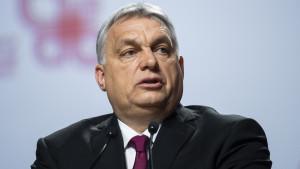 Hungría levanta el toque de queda y el uso de mascarillas en espacios abiertos