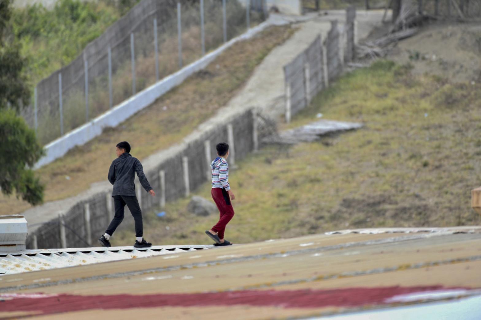 La cifra de migrantes menores llegados a Ceuta triplica los 519 registrados hasta marzo en España