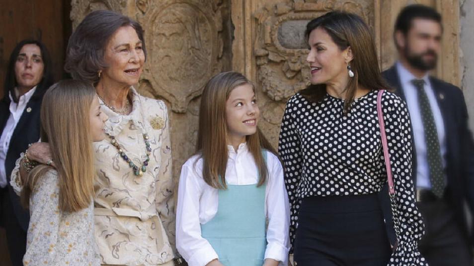 Letizia quiere echar de Zarzuela a la reina Sofía y que se vaya a Grecia, según Peñafiel