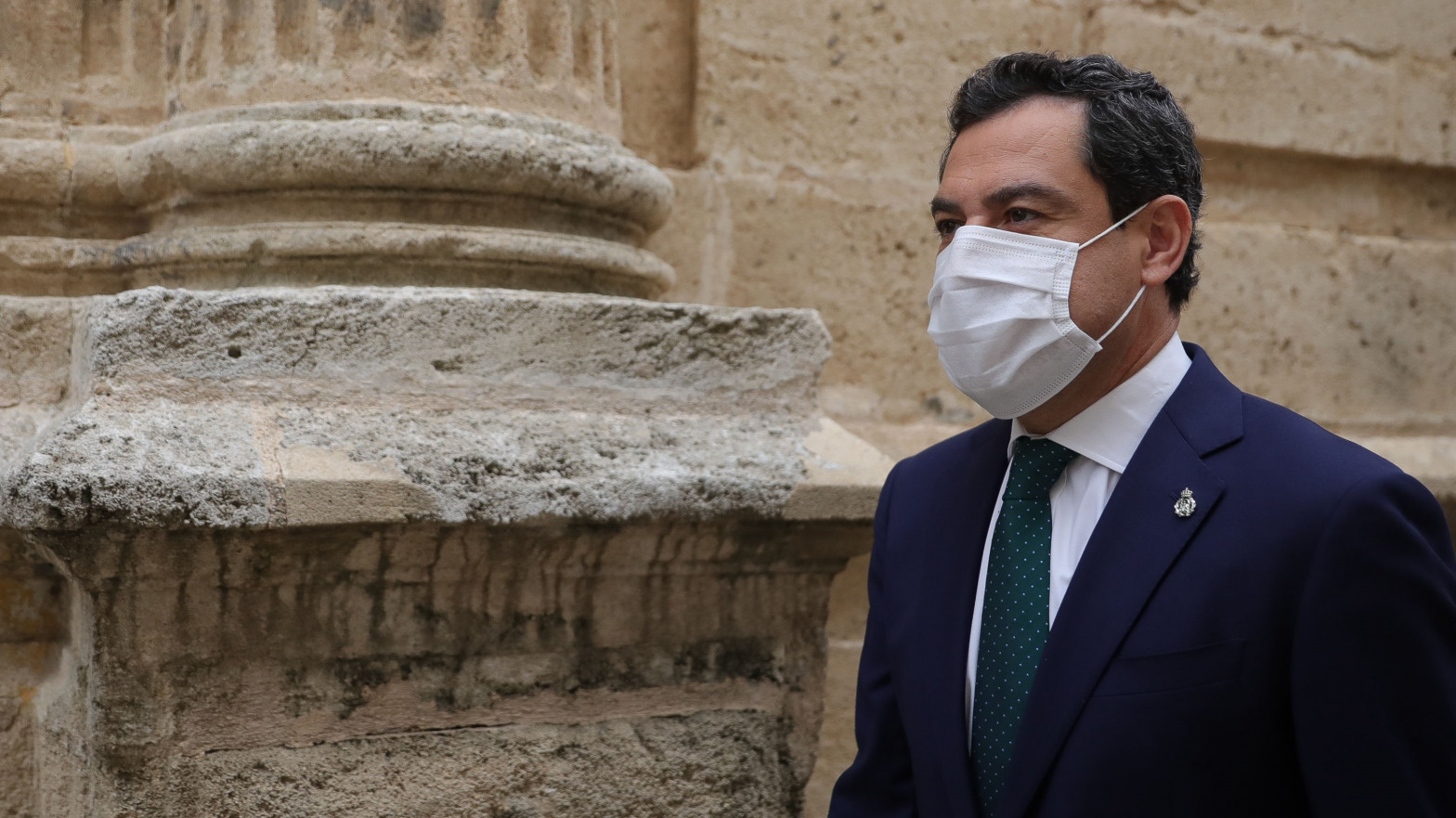 """Moreno pide a Vox que explique """"por qué apoya a Podemos e IU"""" para tumbar la nueva ley del suelo"""