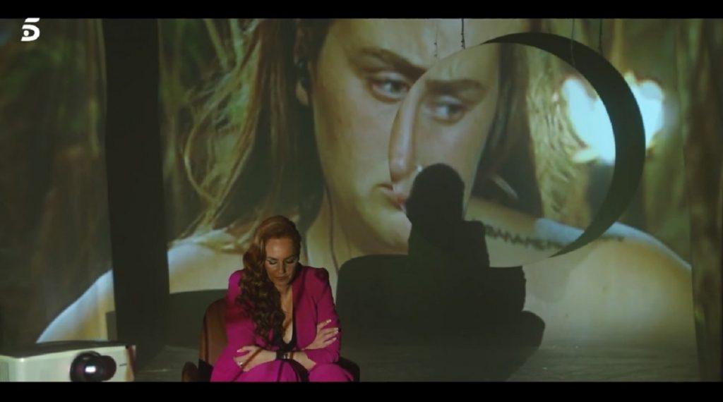 Rocío Carrasco aparta la mirada cuando le ponen las imágenes de su hijo Rocío en Supervivientes