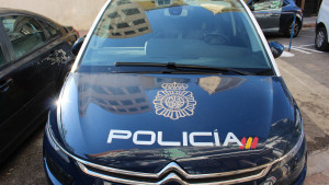 La mujer hallada muerta en Granada falleció por causas naturales y su pareja será puesta en libertad