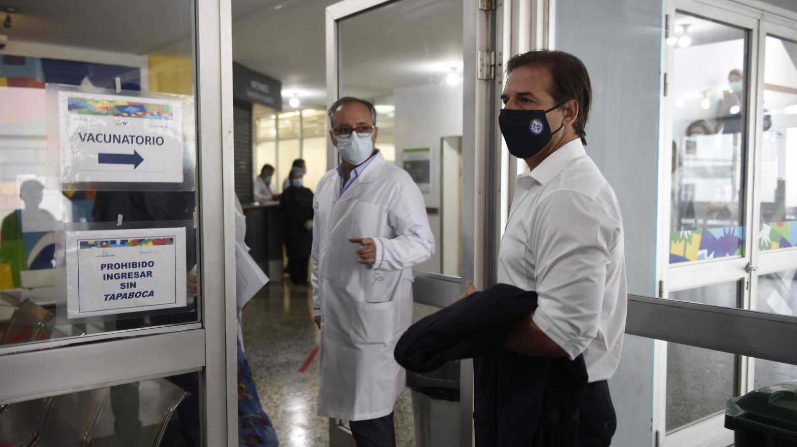 Uruguay autoriza la vacunación contra la covid de menores de 12 a 18 años con Pfizer