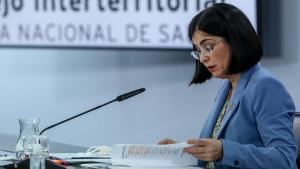 Sanidad Exterior comienza por fin a vacunar en España a funcionarios y extranjeros residentes