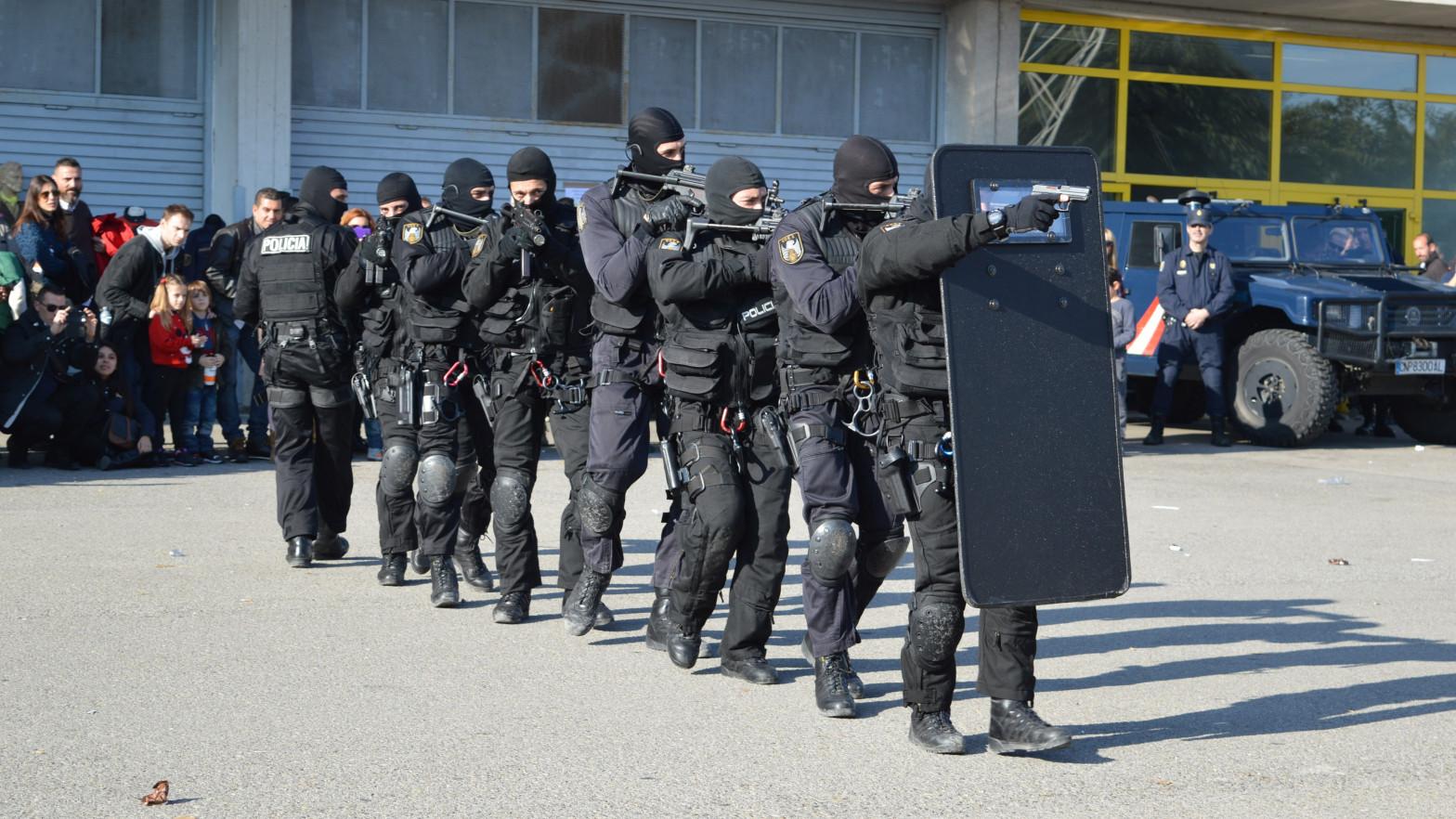 Un sindicato denuncia favoritismo hacia una policía en el curso de operaciones especiales