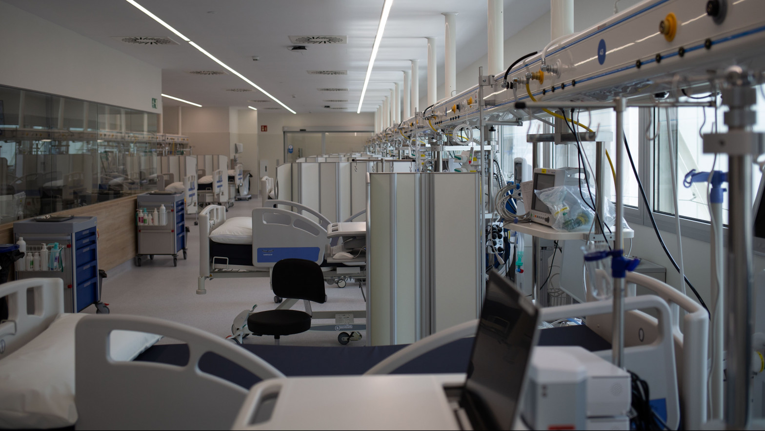 La mortalidad por covid-19 en las UCI sube entre pacientes de 41 a 60 años