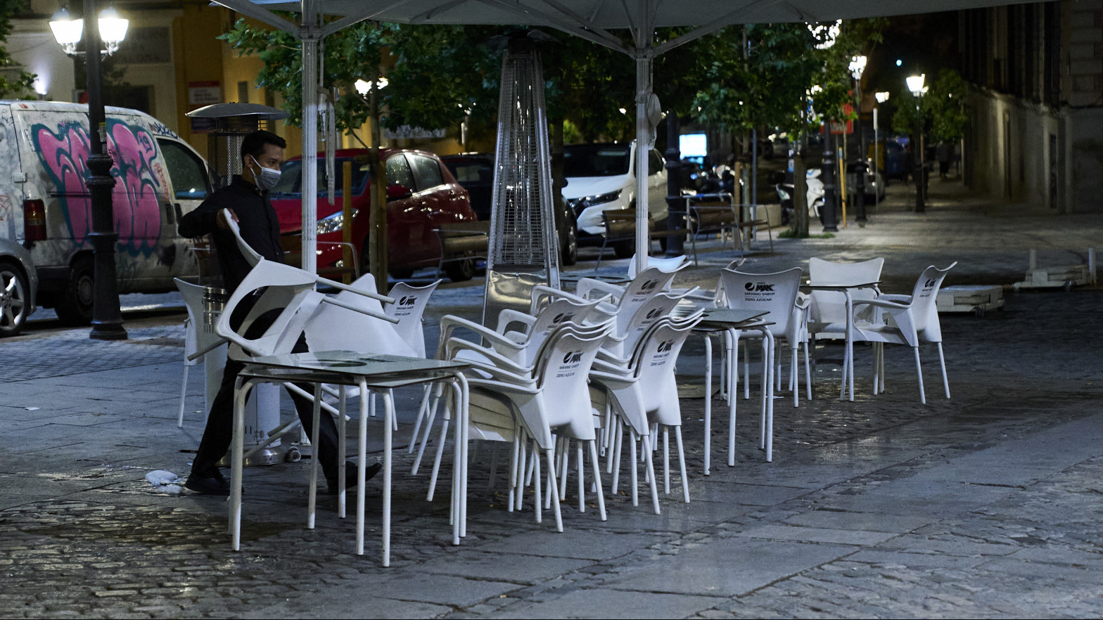 Las 3.000 terrazas covid de Madrid tendrán que cerrar a medianoche, mientras que las demás podrán cerrar a la 1