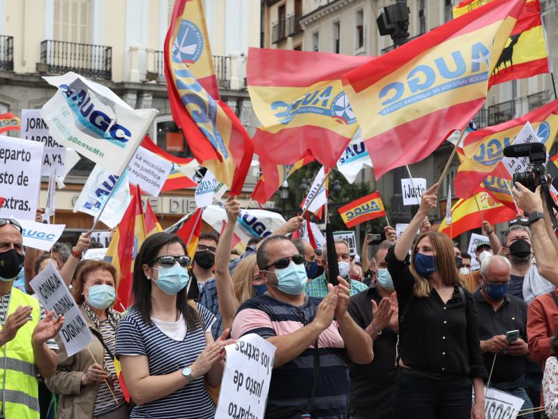 Guardias civiles protestan en la Puerta del Sol en Madrid