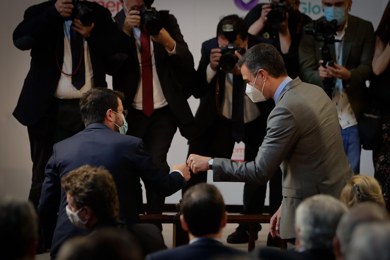 Los grandes empresarios catalanes respaldan el 'reencuentro' de Sánchez y Aragonés