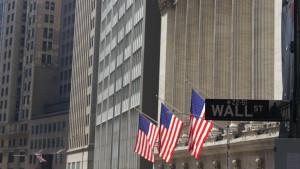Wall Street cierra en verde y el Dow marca un récord tras superar los 35.000