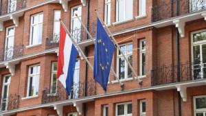 Países Bajos incluye Baleares y Canarias como destinos seguros para viajar por turismo
