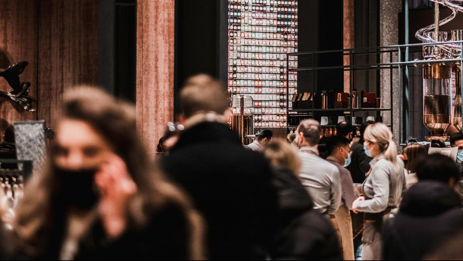 Dinamarca elimina la mascarilla en interiores y amplía el horario en la hostelería
