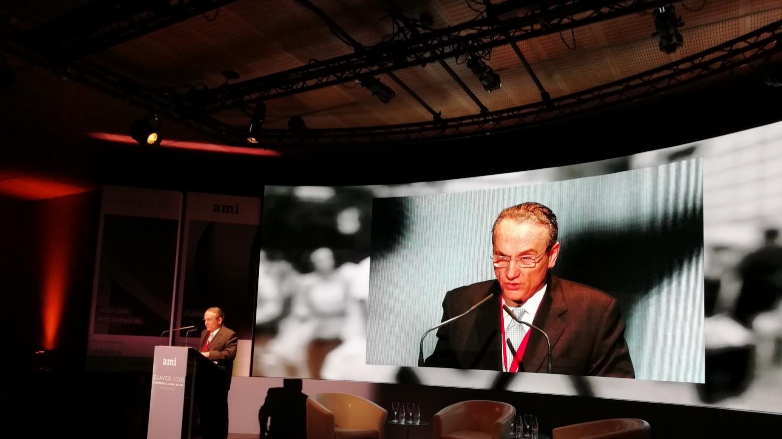 Javier Moll estudia lanzar un nuevo periódico en Madrid y ofrece dirigirlo a Fernando Garea
