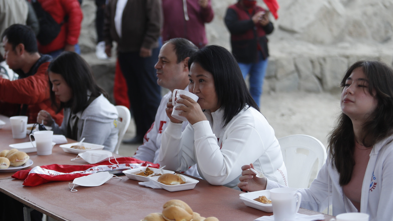 """Keiko Fujimori pide la nulidad de 200.000 votos en las elecciones en Perú por """"irregularidades"""""""