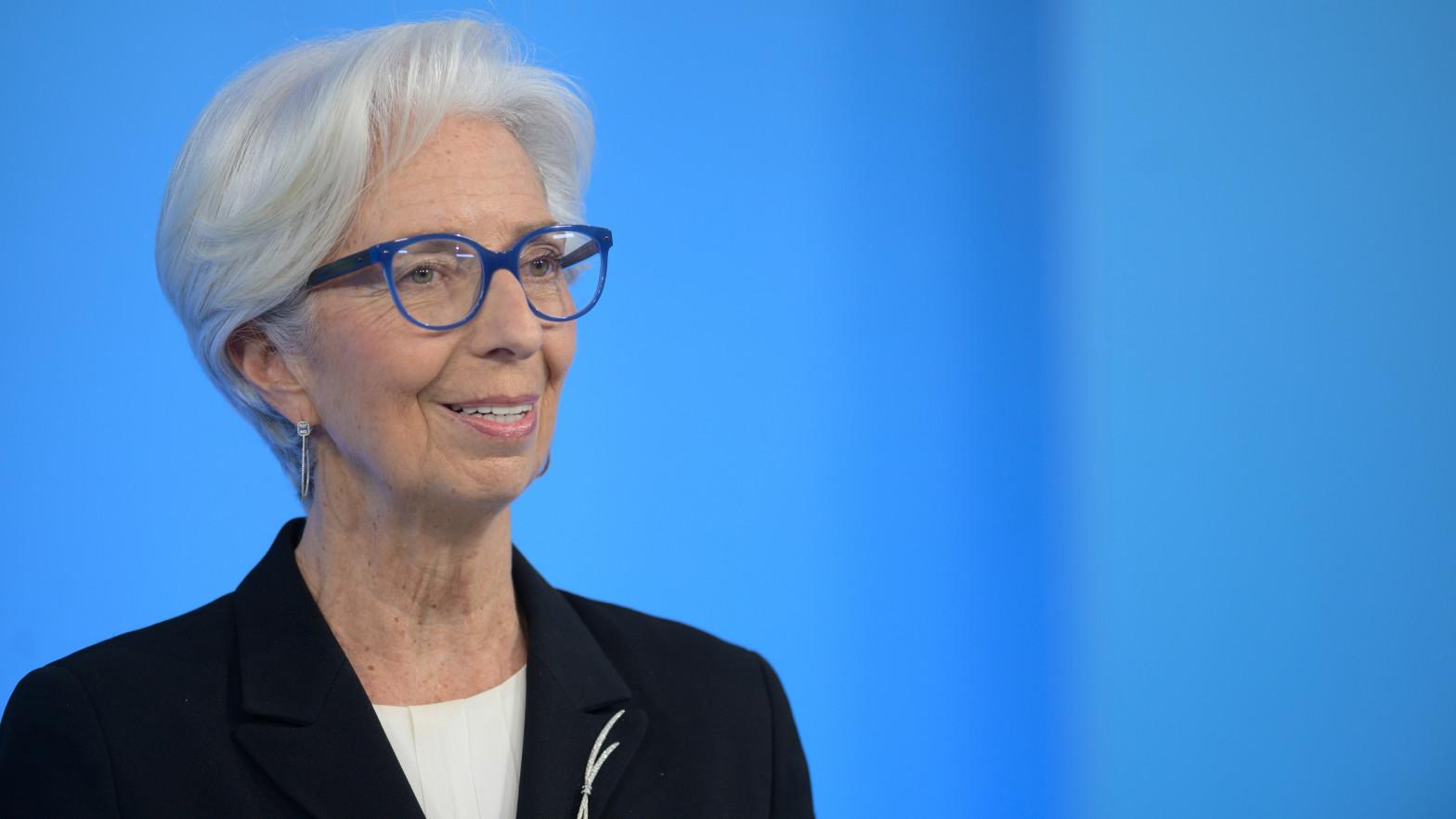 Lagarde adelanta la recuperación de la eurozona, pero sin comprometer el final de los estímulos