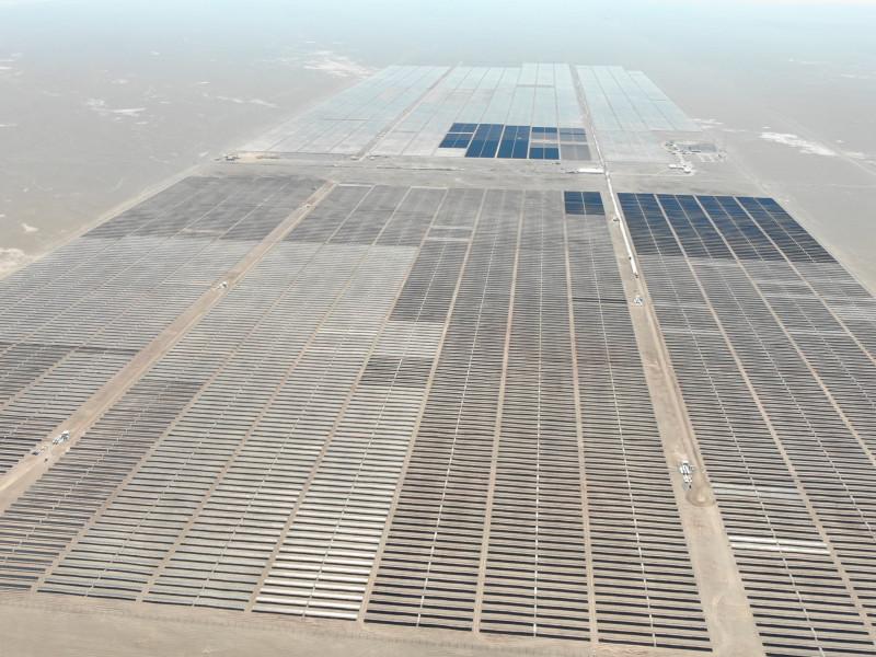Las renovables brillan en Bolsa a rebufo de la OPA de EQT sobre Solarpack, que se dispara un 43%