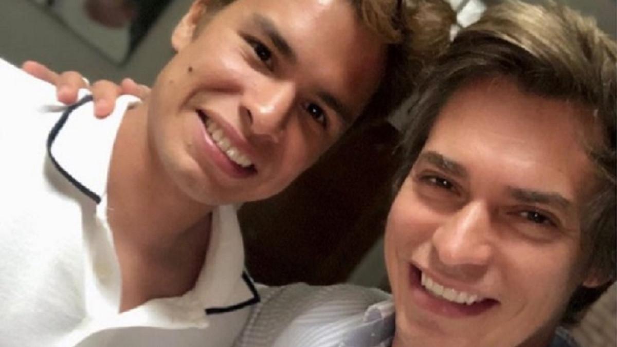 Carlos Baute se reconcilia con su hijo secreto y le pide perdón públicamente