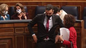Indultos e IVA de la luz: Sánchez invisibiliza a Podemos tras robarle sus medidas estrella